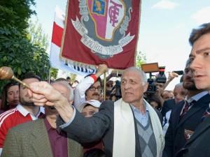 Don Aldo Rabino alla commemorazione del Grande Torino a Superga
