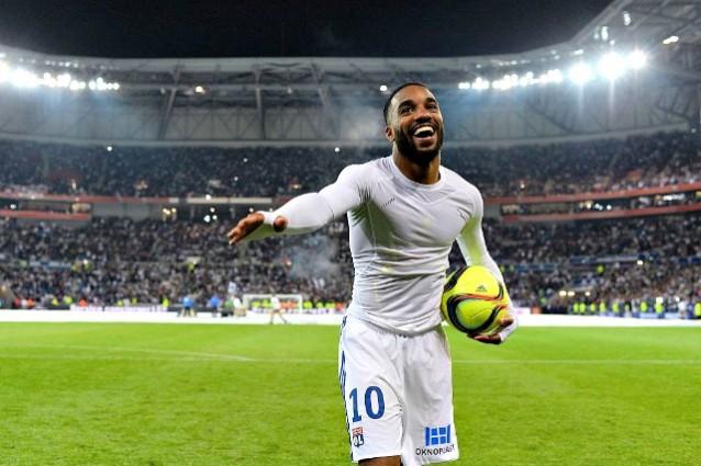 Lione, no a 35 milioni dall'Arsenal per Lacazette: 'E' insostituibile'
