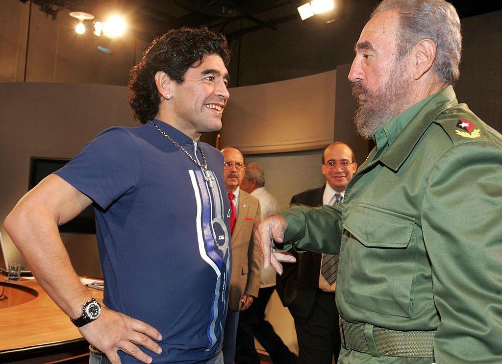 Cronaca, Maradona saluta Fide Castrol: