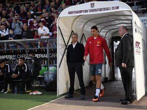 """Manchester United, Mourinho: """"Ibra resterà anche il prossimo anno"""""""