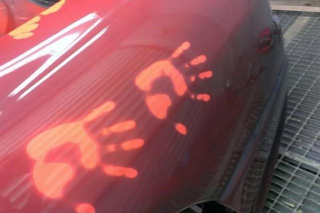 Colori Vernici Auto : L auto che cambia colore con la vernice magica video