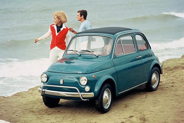 Fiat 500, l'icona italiana festeggia i suoi primi 60 anni