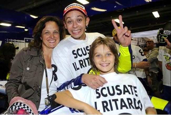 Luca a 11 anni e mamma Stefania festeggiano Valentino per il titolo 2008