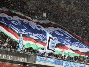 Napoli calcio news: i gadget azzurri spopolano in città