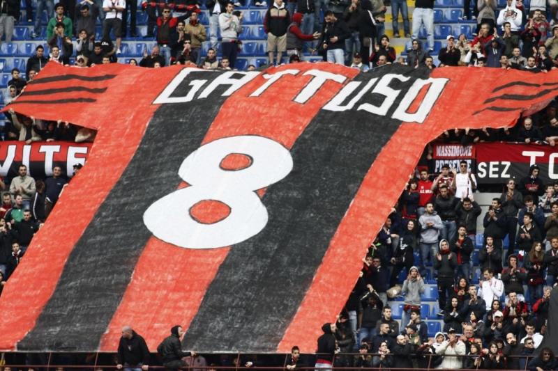 Il Milan saluta Inzaghi, Nesta, Gattuso, Van Bommel e Zambrotta | Calcio  Fanpage