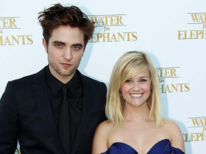 Robert Pattinson and Reese Witherspoon alla premier ingelse del film