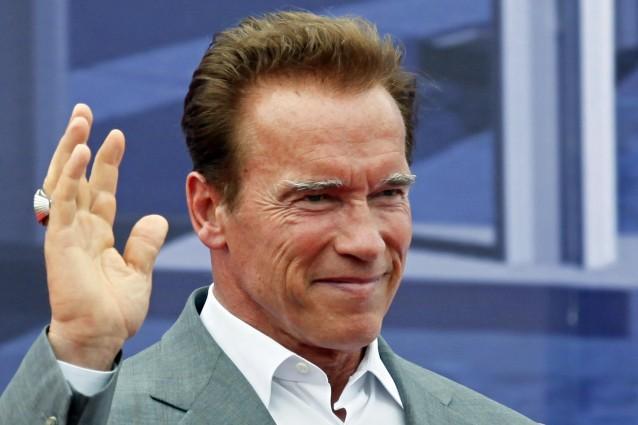 Arnold Schwarzenegger dona un milione di euro per fornire ma