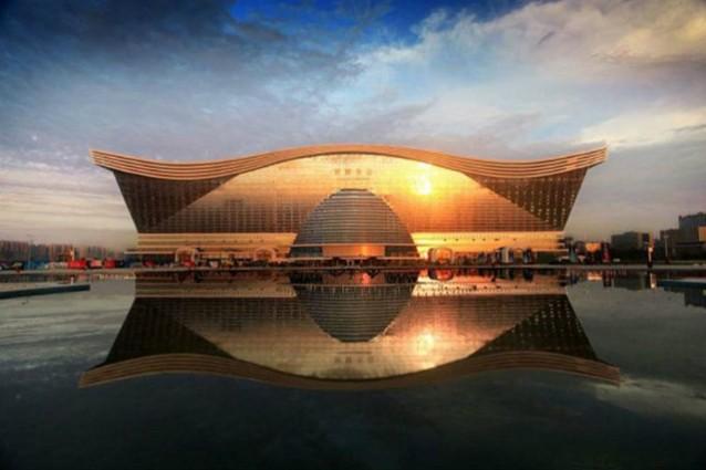 In Cina, il più grande edificio del mondo