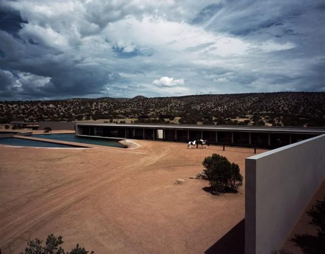 Tom ford e tadao ando per un ranch di lusso in new mexico for Schierandosi casa di ranch