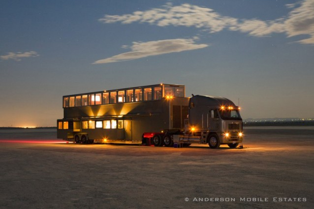 Il caravan di will smith due piani da 2 5milioni di for 5 000 piani di casa quadrati