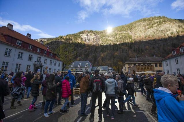 Specchi giganti illumineranno le buie città norvegesi
