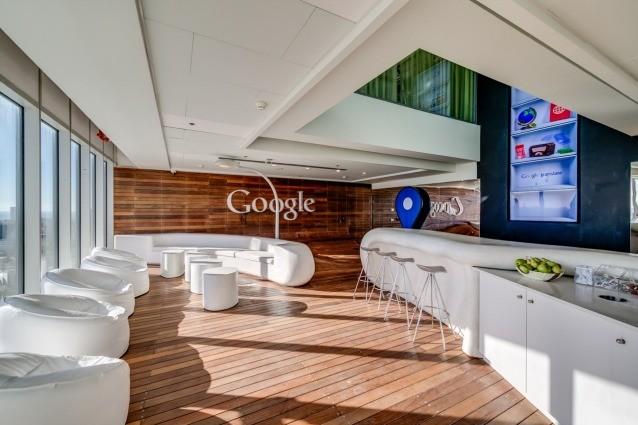 Google sbarca a tel aviv nuovi uffici innovativi e giocosi for Google office interior designs pictures