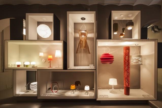 Salone Del Mobile Spazi Espositori : Al salone del mobile il futuro delle lampade guarda ad