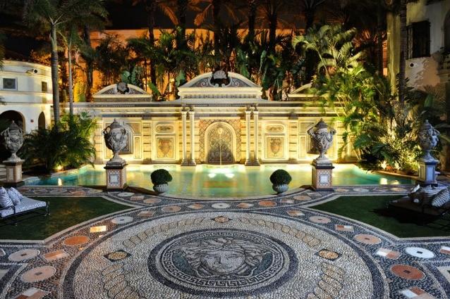 Miami, la villa di Versace riapre come hotel di lusso