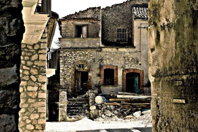 I paesi fantasma d 39 italia ecco le citt e i borghi for Luoghi abbandonati nord italia