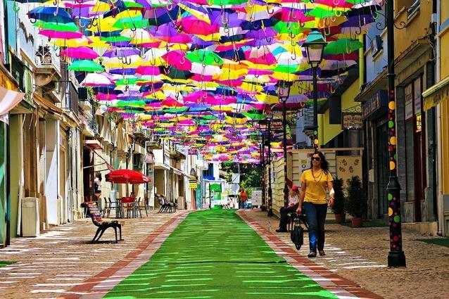 gueda la citt degli ombrelli fluttuanti