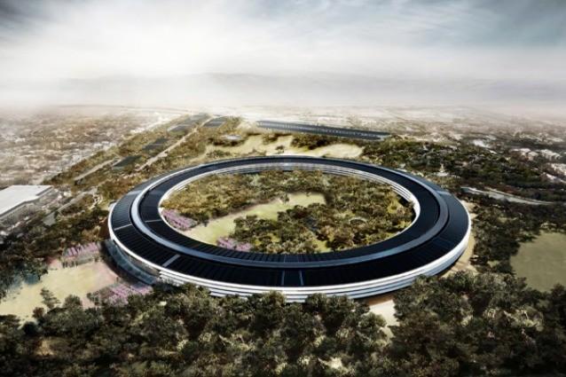 Cupertino, il nuovo Campus Apple visto dal drone (VIDEO)