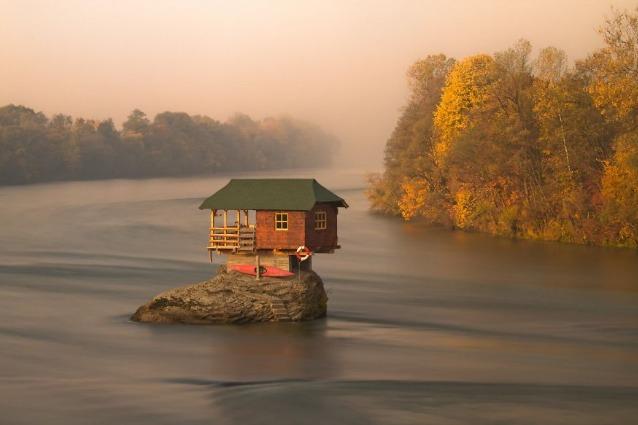 Le 10 case isolate più suggestive del mondo