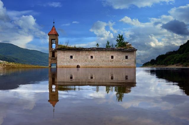 Le 20 chiese abbandonate più suggestive del mondo