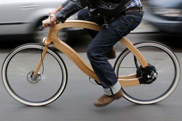 Berlino, ecco la prima bici elettrica interamente di legno