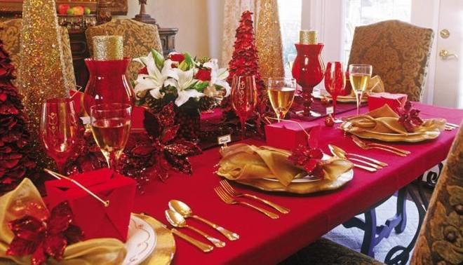 Tavola per capodanno decoriamo la casa con stile e gusto ecco i consigli - Decorare la tavola per capodanno ...
