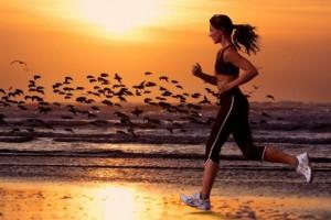 Uno studio condotto da un'Università Danese su un campione di 2000 persone non lascia più spazio a dubbi: dai 5 ai 6 anni di aspettativa di vita in più correndo tre volte a settimana. Una corsetta e la vita si allunga.