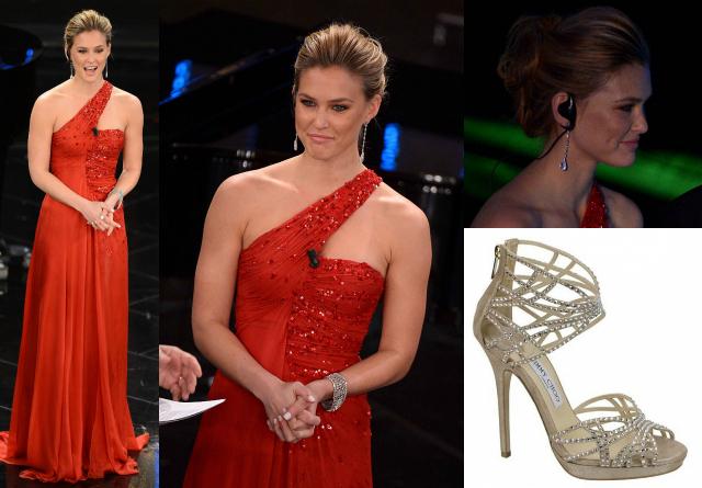 Vestito rosso e scarpe argento