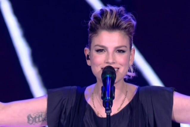 look-emma-marrone-seconda-puntata-serale-amici-2013