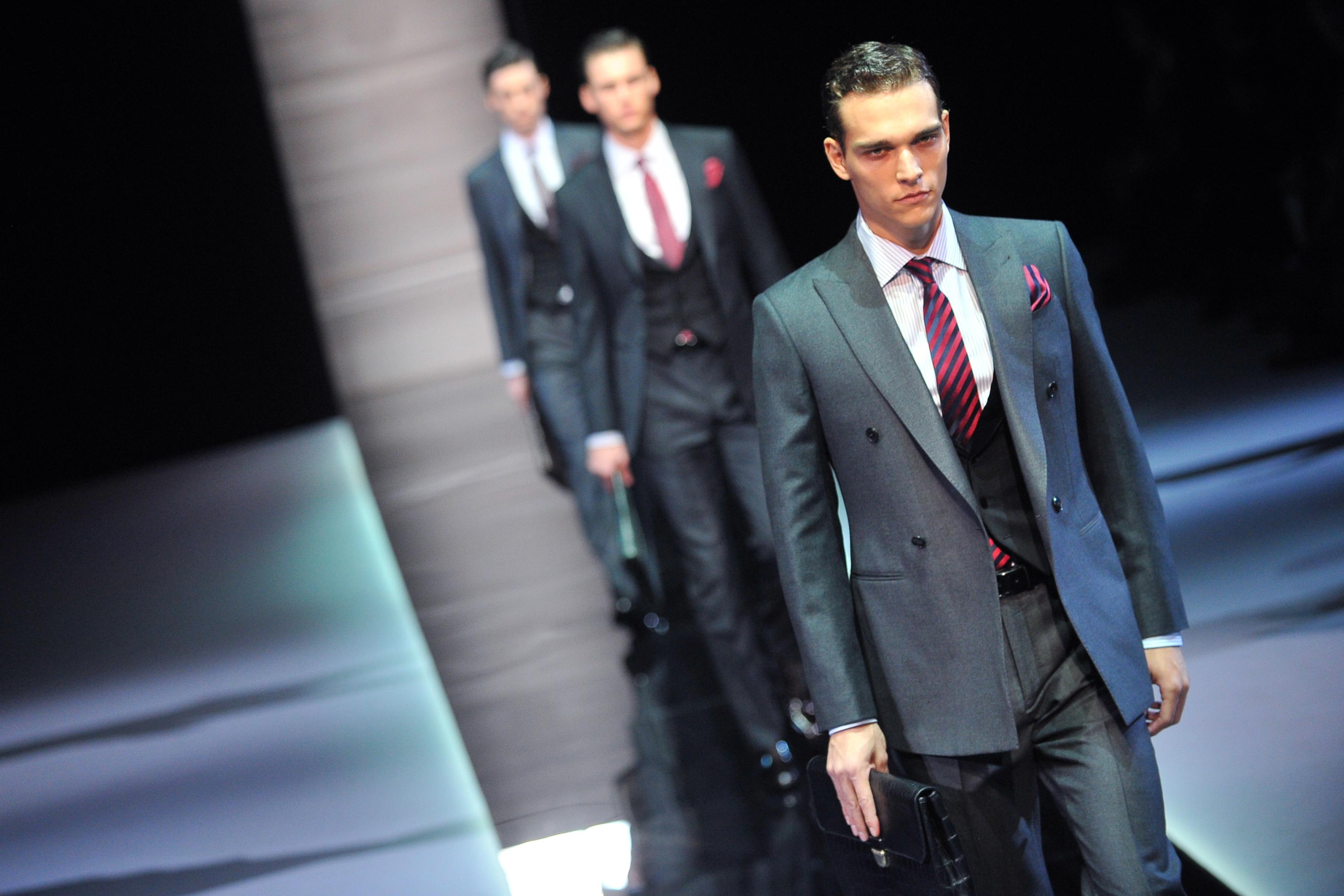 Giacca Da Camera Uomo Milano : Al via la settimana della moda uomo di milano