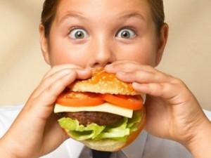 Allergie dei bambini, attenzione ai cibi da fast food