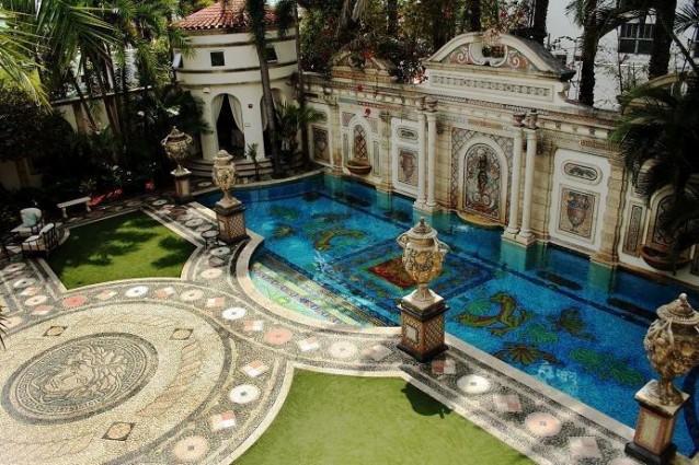 Villa Versace all'asta. Il prezzo? 100 milioni in meno rispetto al suo valore
