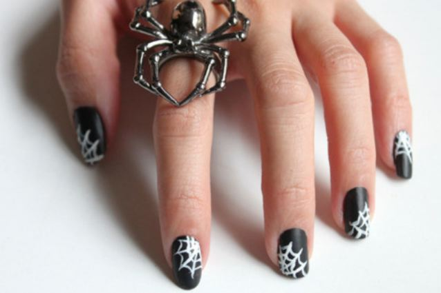 Cinque idee per la nail art di halloween for Idee di cucina per halloween
