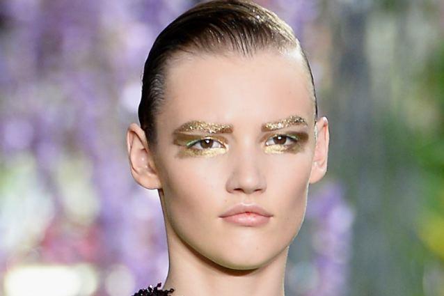 Copia il make up della sfilata di dior tutorial - Trucco effetto bagnato ...