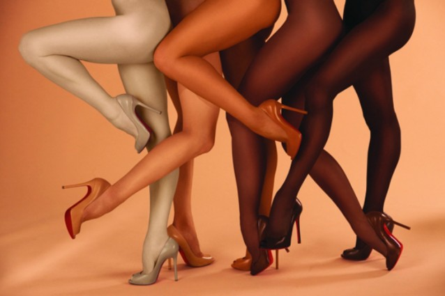 5 sfumature di nudo: Louboutin lancia le scarpe adatte ad ogni pelle (FOTO)