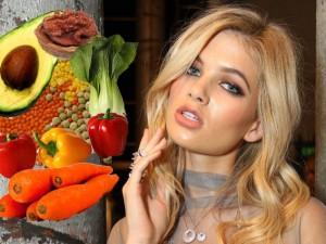 Noci per illuminare la pelle e carote per capelli morbidi: ecco gli alimenti per essere bellissima