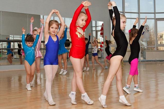 Sport durante l 39 infanzia previene malattie e rende i - Immagini di cicogne che portano bambini ...