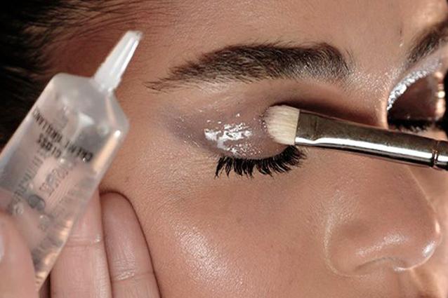 Make Up Glossy Consigli E Prodotti Per Realizzare Il Trucco Effetto Bagnato Foto