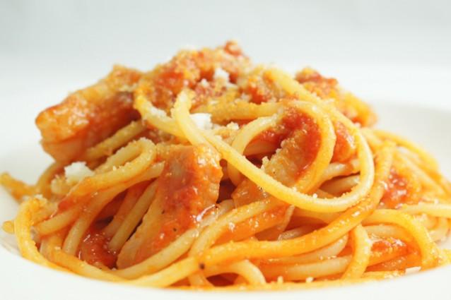Ricetta Amatriciana Con Cipolla.Spaghetti All Amatriciana La Ricetta Originale Della Pasta Di Amatrice Con Consigli Affidabili