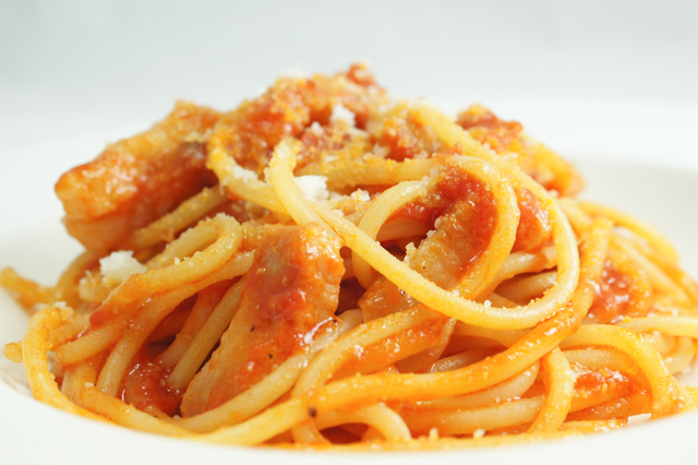 Ricetta Amatriciana Con Aglio E Cipolla.Spaghetti All Amatriciana La Ricetta Originale Della Pasta Di Amatrice Con Consigli Affidabili