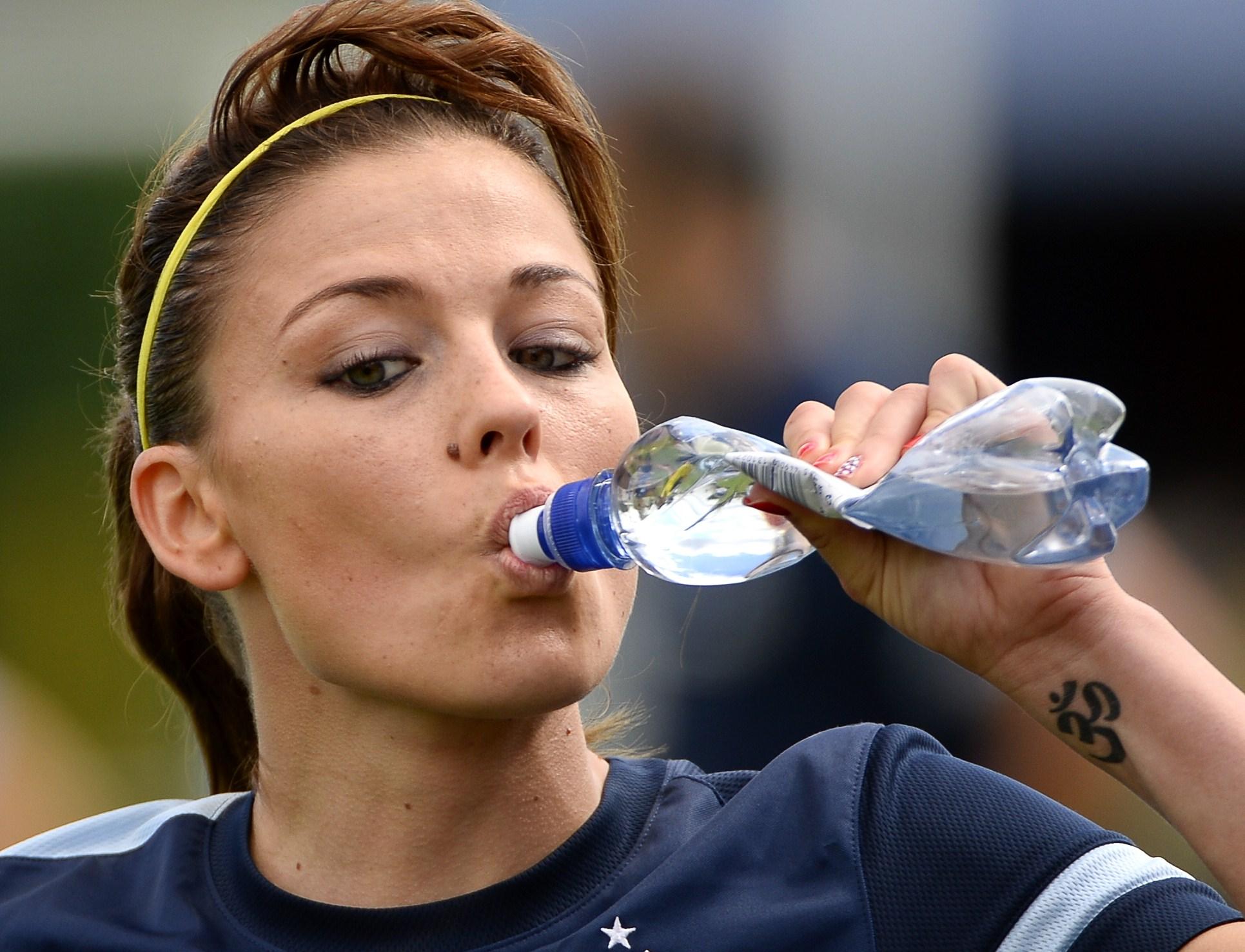 Cosa succede al nostro corpo quando non beviamo abbastanza acqua?