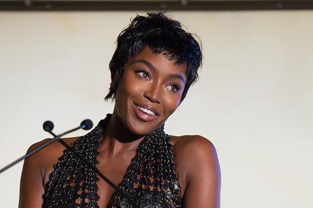 Naomi Campbell dice addio ai lunghi capelli neri: ecco il nuovo look (FOTO)
