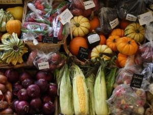 La dieta dei 7 giorni per depurare l'intestino con cibi liquidi e verdure crude