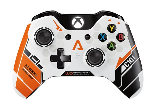 Titanfall, il controller limited edition per Xbox One