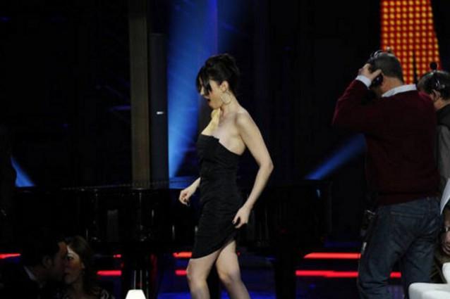 Sara Tommasi allontanata dal Chiambretti night