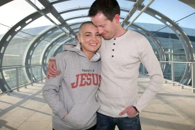 A nemmeno una settimana dall'annuncio del divorzio, la cantante irlandese Sinead O' Connor ha deciso di fare marcia indietro e di tornare dal suo ex marito Barry Herridge