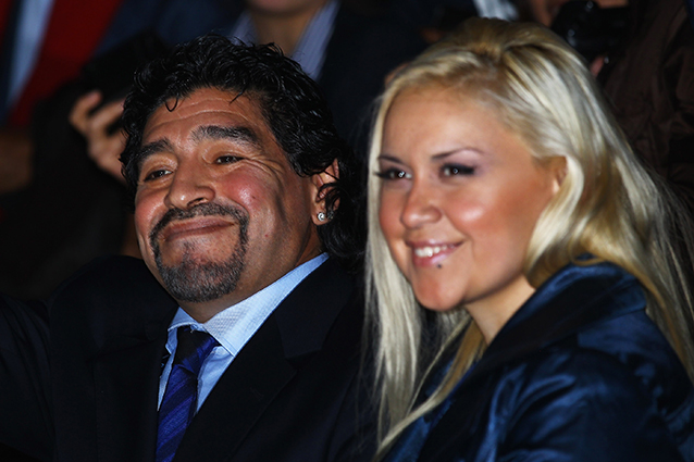 Maradona lascia la compagna perché incinta