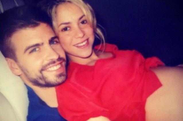 Shakira sempre pi incinta l 39 enorme pancione postato su fb - Diva futura shakyra ...