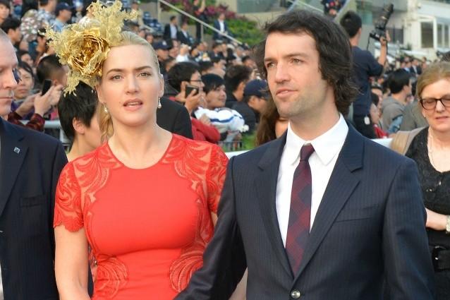 Cerimonia blindatissima a New York per Kate Winslet e Ned Rocknroll, sposi dopo appena 6 mesi di fidanzamento. L'attrice ha preso alla lettera il detto non c'è due senza tre, ed è alla ricerca della felicità con il terzo marito.