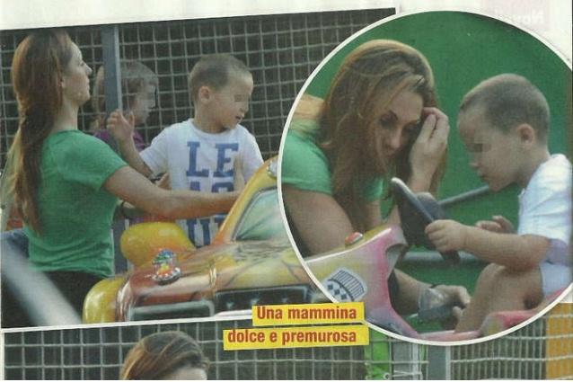 Anna tatangelo in versione mamma chioccia con il figlio andrea - Parco mamma anna cucine ...