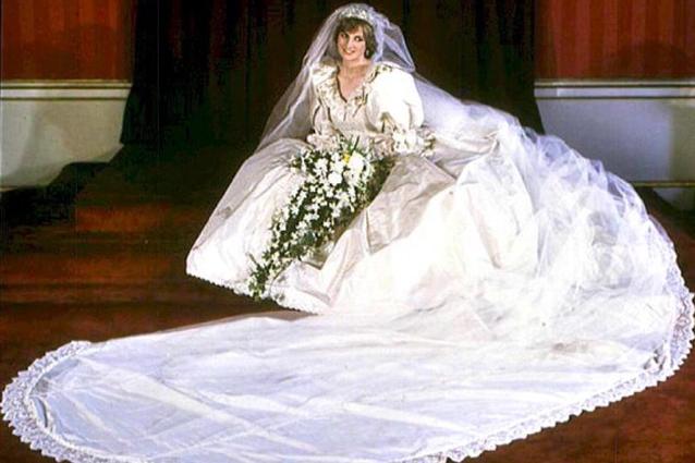 Favorito abito da sposa di Lady Diana in regalo a Harry per i suoi 30 anni MX22